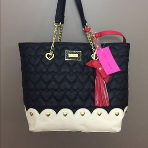 NWT Betsey Johnson Heart tote w/ pouch & wallet